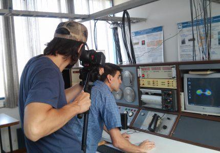 6. Téc. Guillermo Gancio muestra el programa de observación para pulsares de la Antena I