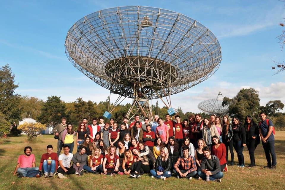 Visita de estudiantes de la UNLP al IAR