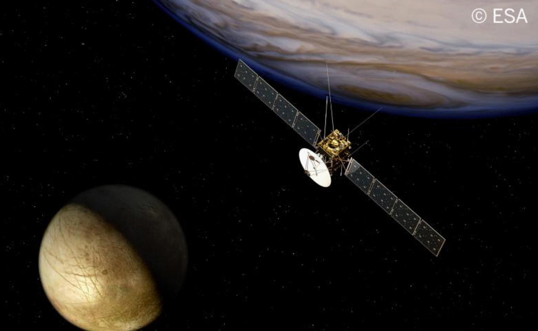 JUICE sobrevolando la luna Europa